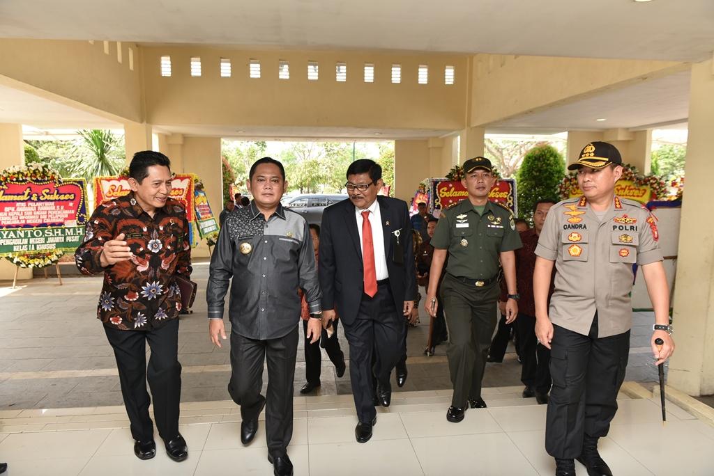 Ketua Pengadilan Negeri Bekasi Menghadiri Pelantikan Ketua Pengadilan Negeri Cikarang